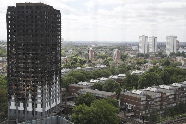 Le bilan de l'incendie, qui a ravagé le... (Photo Frank Augstein, archives AP)
