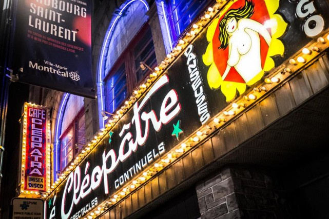 La visite Montréal burlesque s'amorce à la Taverne... (Photo Olivier PontBriand, Archives La Presse)