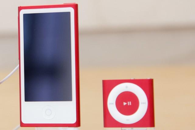 Les iPod Nano et iPod Shuffle... (PHOTO ARCHIVES AP)