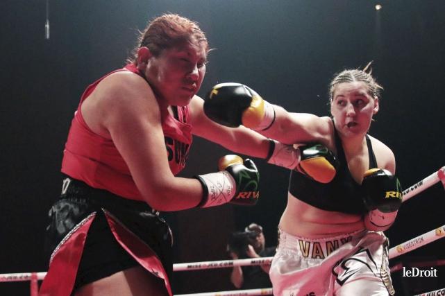 Vanessa Lepage Joanisse (droite), qui a fêté ses... (Etienne Ranger, Le Droit)
