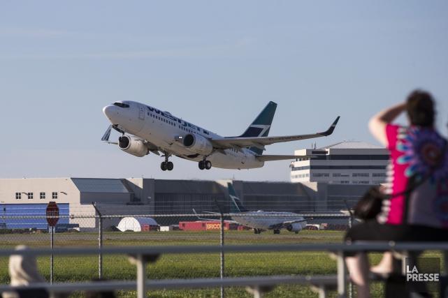 L'aéroport Montréal-Trudeau a accueilli 4,4 millions de passagers au deuxième... (PHOTO HUGO-SEBASTIEN AUBERT, ARCHIVES LA PRESSE)