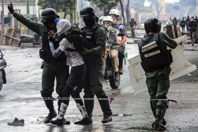 Même si gouvernement Maduro a interdit aux Vénézuéliens... (AFP, Federico Parra)