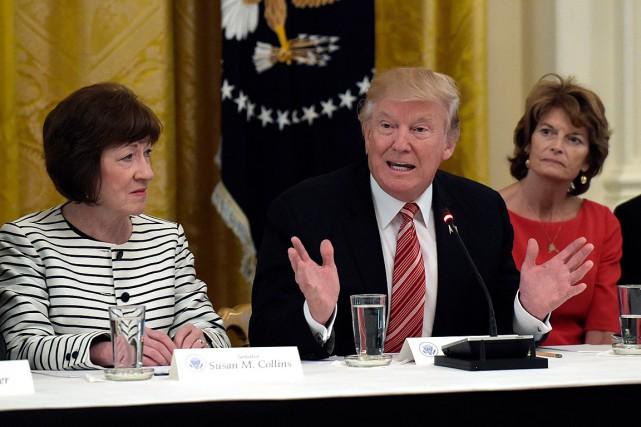 Les sénatrices Susan Collins (à gauche) et Lisa... (Archives AP, Susan Walsh)