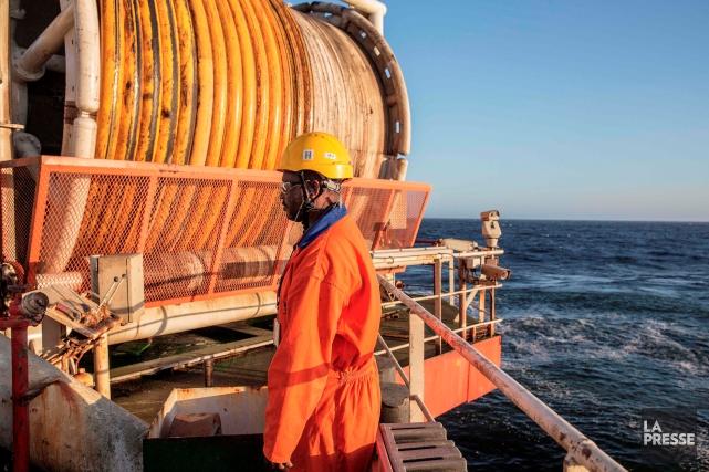 Les mines terrestres se tarissant, l'exploitation en mer... (AFP, GIANLUIGI GUERCIA)
