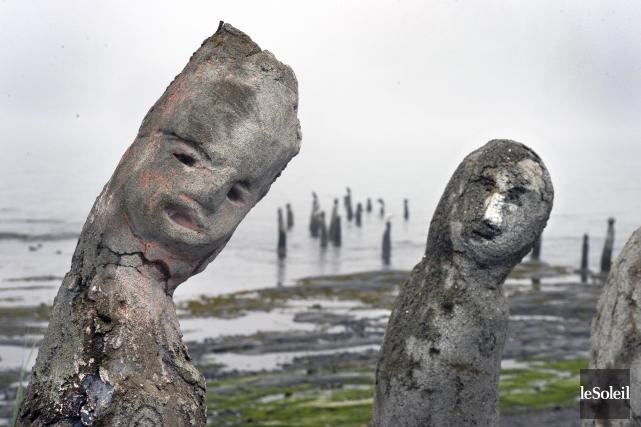 «Avec leurs têtes toutes déformées, on dirait des survivants qui sortent de... (Le Soleil, Jean-Marie Villeneuve)