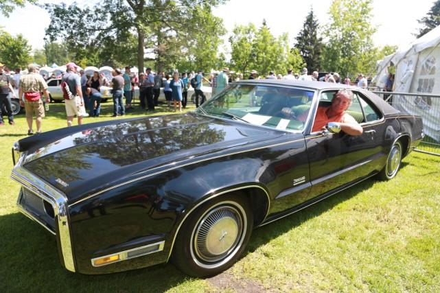 Daniel Lavergne au volant de sa «nouvelle» Oldsmobile... (Catherine Trudeau)