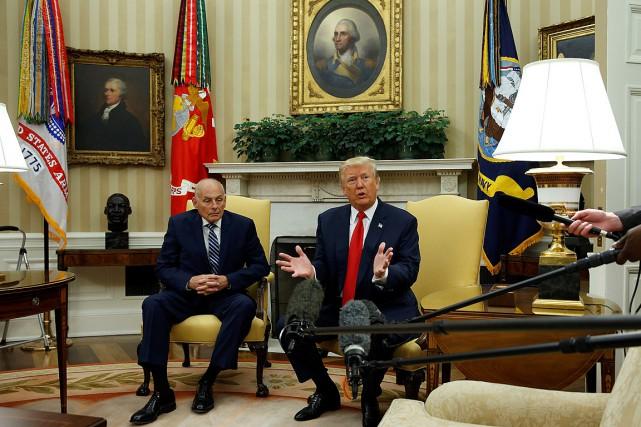Donald Trump a rencontré la presse en compagnie... (PHOTO JOSHUA ROBERTS, REUTERS)