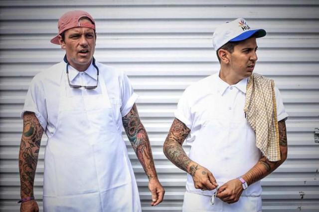 Les chefs Chuck Hughes et Danny Smiles... (Photo Paul Labonté, fournie par evenko)