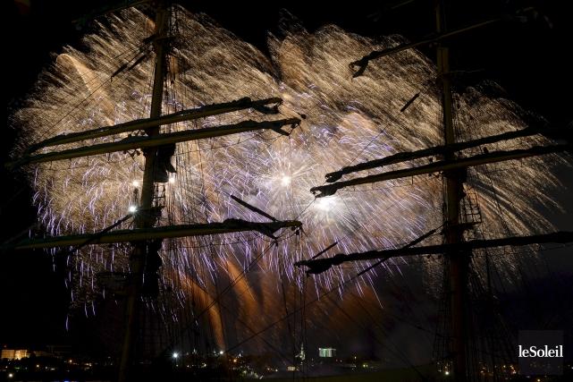 L'équipe deGFA Pyro a produit le feu d'artificie... (Photo Le Soleil, Yan Doublet)