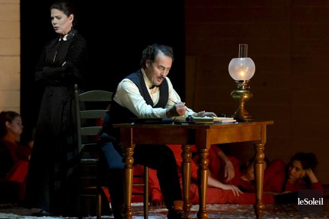 Russell Braun interprète un Louis Riel tourmenté.... (Le Soleil, Yan Doublet)