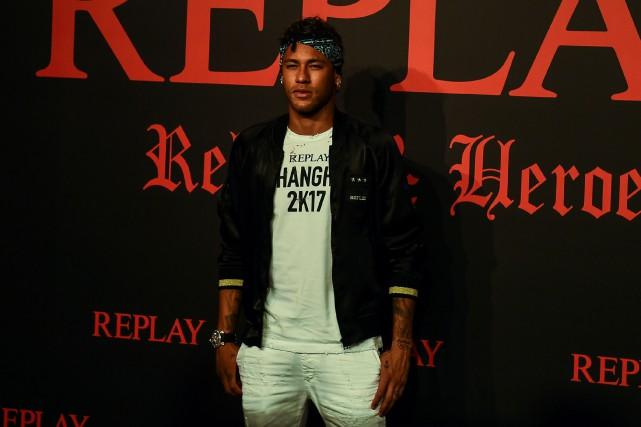 Neymars'est rendu en Chine pour participer lundi à... (Photo Chandan Khanna, AFP)