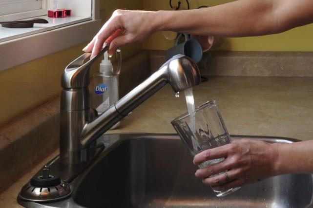 Privilégier la consommation d'eau du robinet plutôt que... (Photo : Sylvain Mayer)