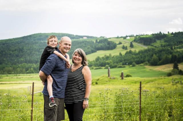 Claude Desbiens et Lyne Corriveau, parents de quatre... (Spectre Média, Jessica Garneau)