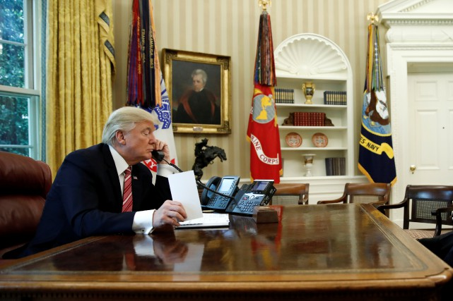 Le président Donald Trump dans le bureau ovale... (Photo Carlos Barria, reuters)