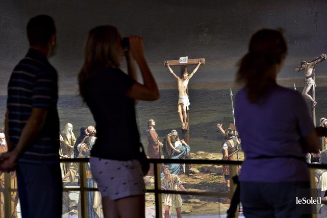 Des visiteurs découvrent le Cyclorama de Jérusalem, à... (Le Soleil, Patrice Laroche)