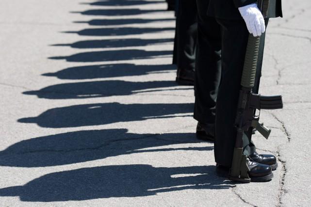 En 2016, d'anciens membres homosexuels de l'armée canadienne... (PHOTO ARCHIVES LA PRESSE CANADIENNE)