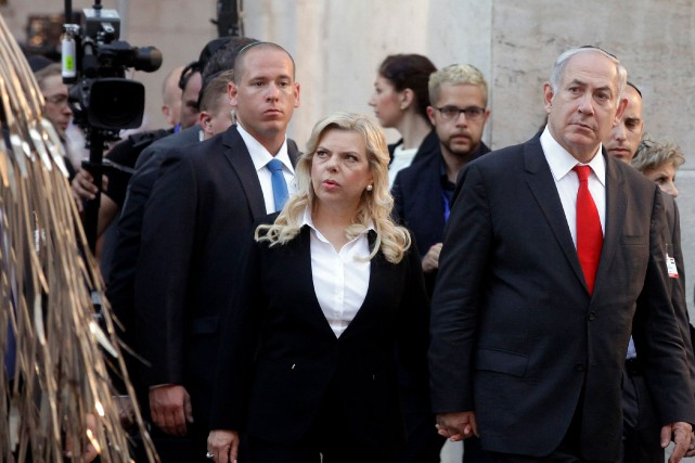 Sara Nétanyahou a été interrogée pendant deux heures... (Photo PETER KOHALMI, AFP)