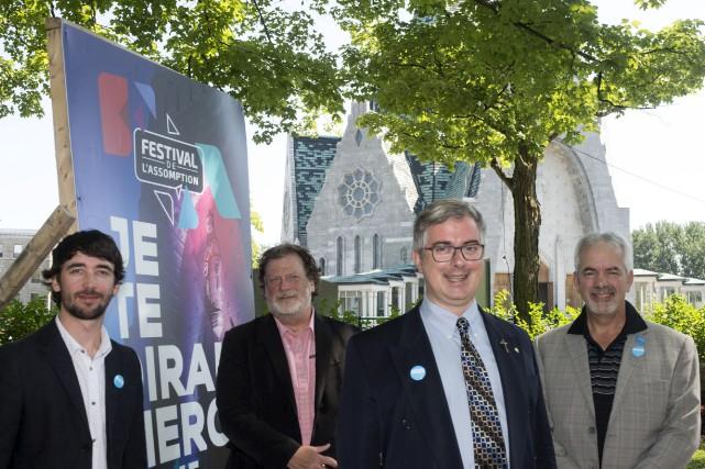 De gauche à droite: Jonathan Houle, coordonnateur culture... (Stéphane Lessard)