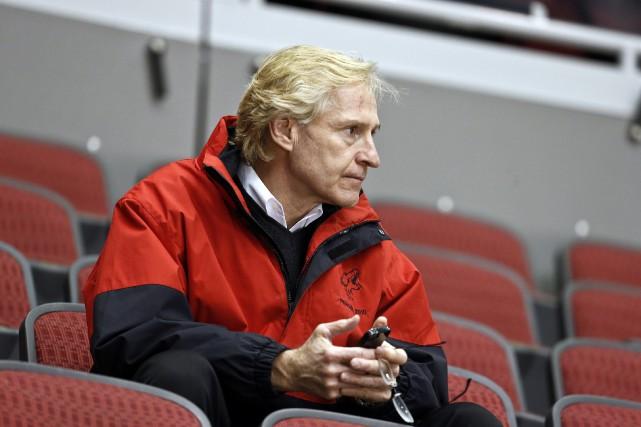 Don Maloney a passé neuf saisons à titre... (Photo Ross D. Franklin, archives AP)