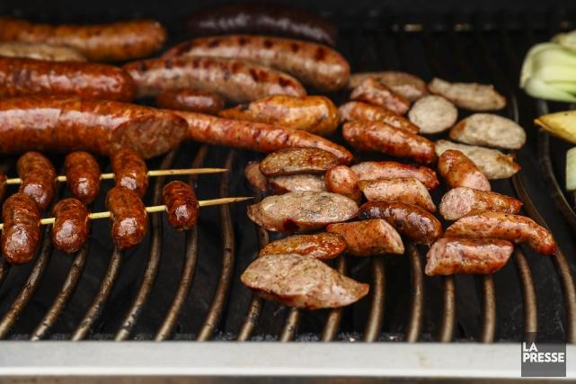 Les chercheurs ont testé 100 saucisses. Environ une... (PHOTO HUGO-SÉBASTIEN AUBERT, ARCHIVES LA PRESSE)