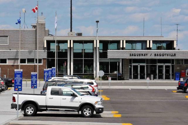 L'aéroport de Bagotville... (Archives)