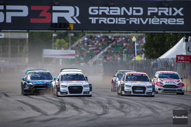 Les voitures de rallycross, qui valent des centaines... (Photo: Olivier Croteau, Le Nouvelliste)