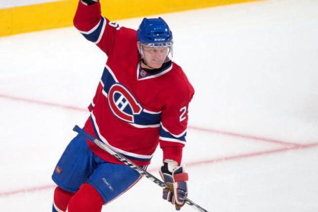 L'ancien hockeyeur Vincent Damphousse... (PHOTO ROBERT SKINNER, ARCHIVES LA PRESSE)