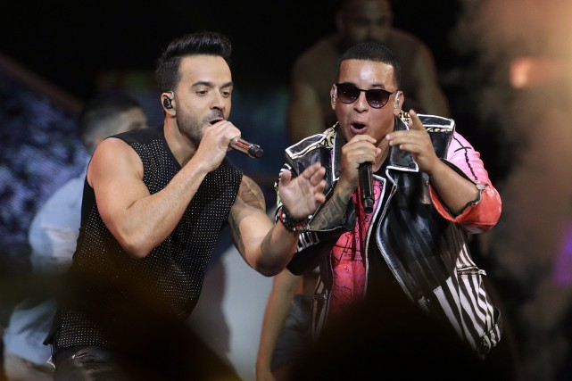 Les interprètes de la chanson Despacito, Luis Fonsi et... (PHOTO ARCHIVES AP)