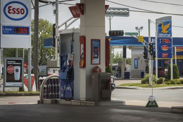 Le prix de l'essence a monté vendredi dans... (François Gervais)