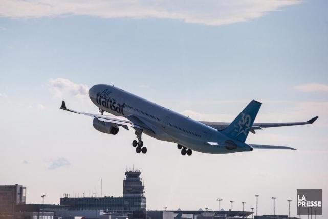 Un passager du vol qui est resté coincé... (Photo Hugo-Sébastien Aubert, La Presse)