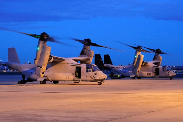 Deux appareilsMV-22 Osprey de l'armée américaine à l'aéroport... (PHOTO JASON REED, ARCHIVES REUTERS)