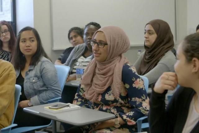 Dans le documentaireLes Québécois de la loi101,de jeunes... (IMAGE TIRÉE DU DOCUMENTAIRELES QUÉBÉCOIS DE LA LOI101)