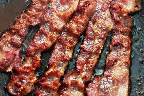 Le bacon a la cote par les temps... (Associated Press)