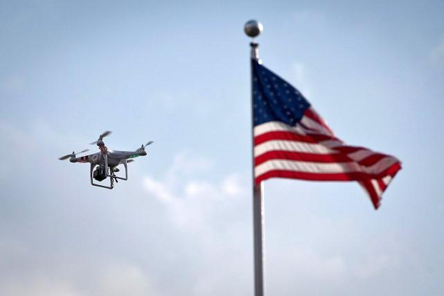 Aux États-Unis, les vols de drones sont régulés... (Photo Carlo Allegri, archives REUTERS)