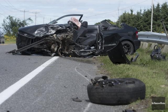 Un jeune de 19 ans d'Asbestos a perdu la vie lundi matin dans une collision... (Photo Le Nouvelliste, Stéphane Lessard)