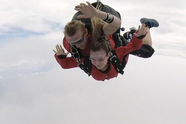 Laura Couillard,une victime d'inceste,a participé au Grand saut... (Courtoisie, Andréanne Tremblay)