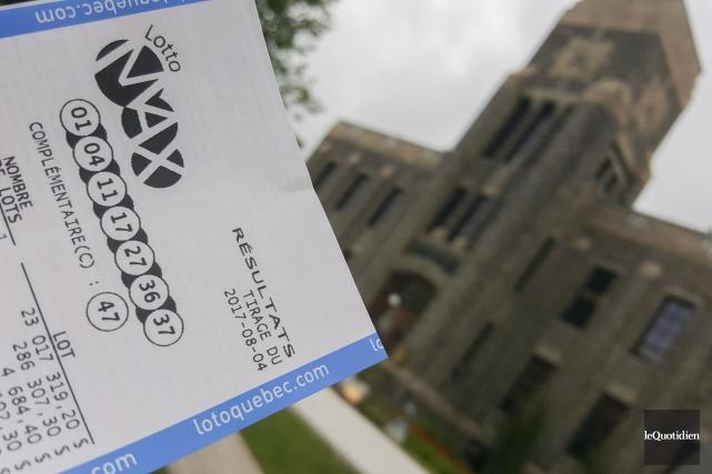 Depuis le lancement de cette loterie, 22 gros... (Photo Le Quotidien, Michel Tremblay)