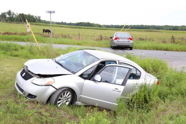 Une collision spectaculaire n'aura finalement causé que des... (Janick Marois)