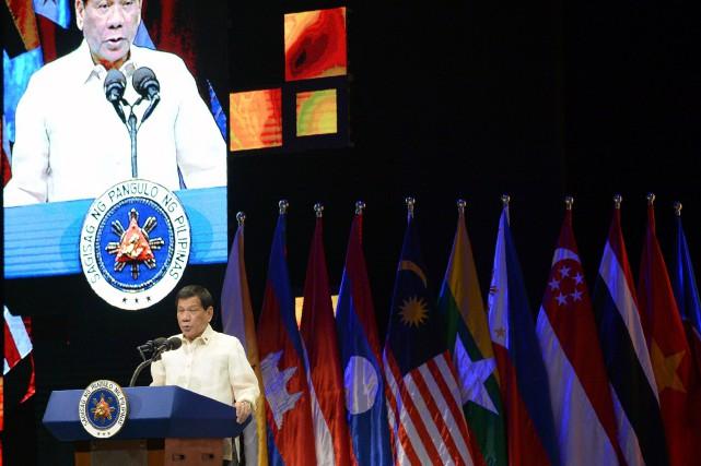 Le président Rodrigo Dutertes'est exprimé mardi lors d'un... (PHOTO TED ALJIBE, AFP)