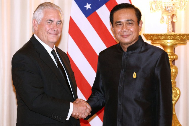 Rex Tillerson a rencontré mardi le premier thaïlandais... (Photo Athit Perawongmetha, REUTERS)