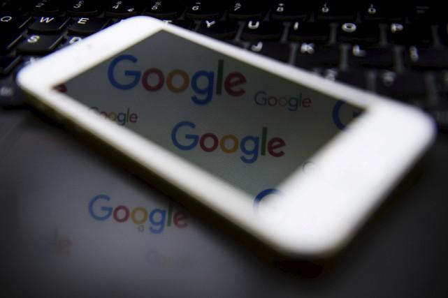 Actuellement, 69 % des employés de Google sont... (AFP, Leon Neal)
