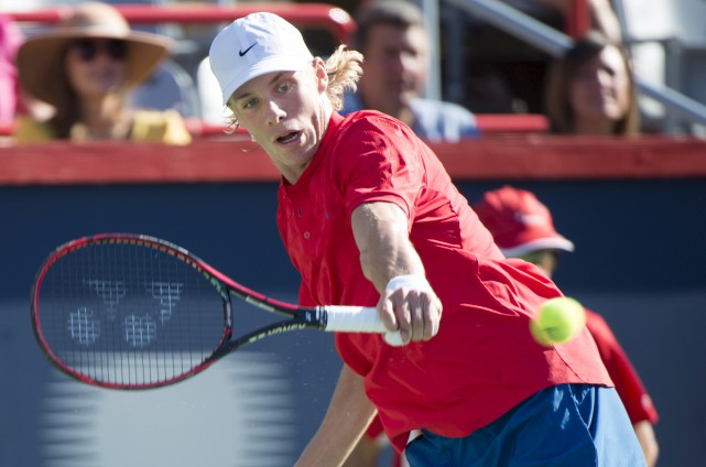 Denis Shapovalov (photo) a défait le Brésilien Rogerio... (La Presse canadienne, Paul Chiasson)