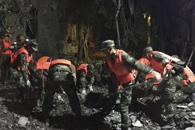 Le secteur frappé par le séisme comprend notamment... (AFP)