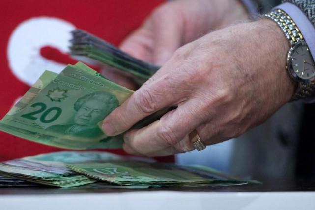 L'argent comptant (et même le débit) perd du... (ARCHIVES PC)