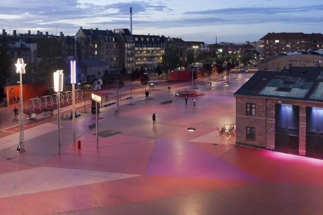 Le Square Rouge du parc Superkilen... (BIG (Bjarke Ingels Group))