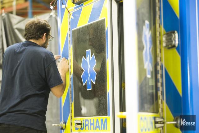 Les ambulanciers de la Montérégie s'ajoutent à une... (PHOTO OLIVIER JEAN, archives LA PRESSE)