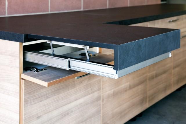 La table OPLA est adaptée aux petites cuisines.... (fournie par Richelieu)