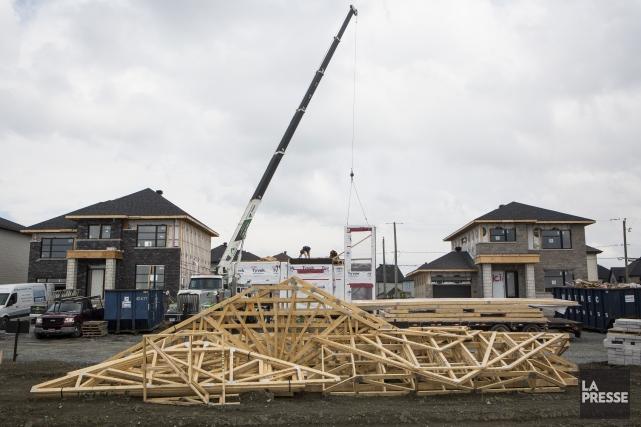 Le nombre de mises en chantier d'habitations, en... (Archives, La Presse)