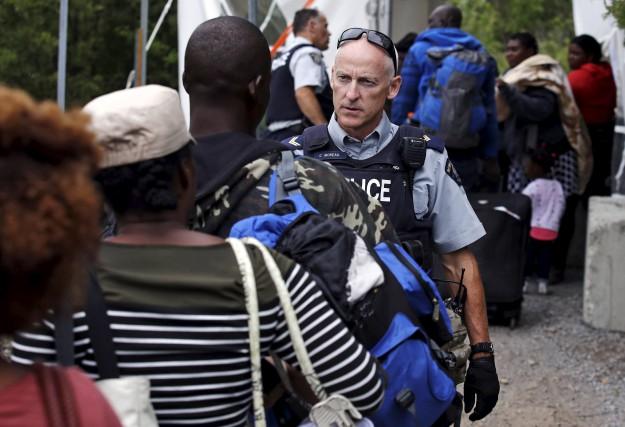 Selon la Ville de Montréal, de 250 à... (AP, Charles Krupa)