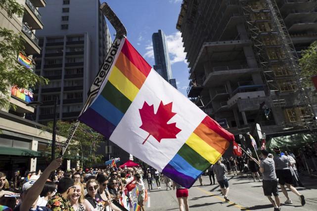Un nouveau sondage sur la diversité sexuelle suggère... (La Presse Canadienne)
